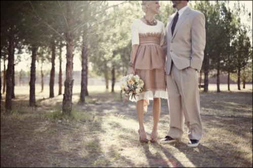 Elopement + modest style = gorgeousness. Photos by Lang Photographers, via Ruffled.