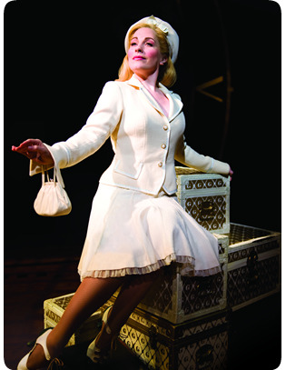 Louise Dearman (Glinda) in the West End production.