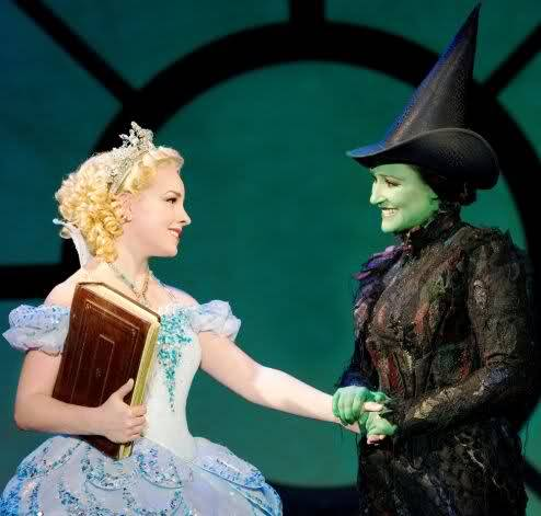 Natalie Daradich (Glinda) and Anne Brummel (Elphaba) in the Second National Tour.