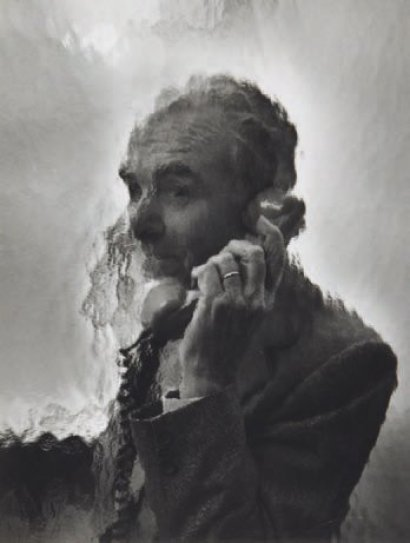 Robert Doisneau on the phone, ca 1985 -by Sophie Ristelhueber via yann-lemouel