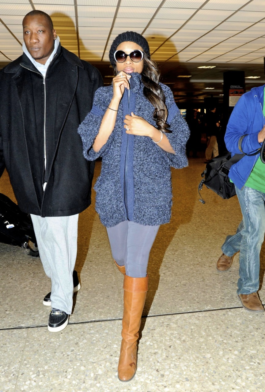 Jennifer Hudson arrives into Dulles Airport in Washington, D.C - March 8, 2011