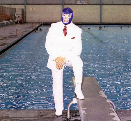 "via hodgman:  ""Thank you wewatchwrestlng for giving us The Blue Demon in his swimming suit."""
