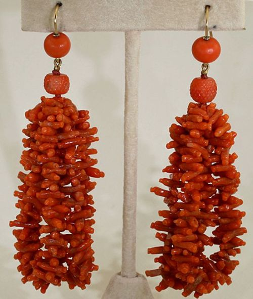Regency era coral earrings from circa 1800. They may have been made to match this slightly earlier necklace.