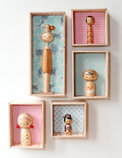 DIY Kokeshi Display | Poppytalk  Do you have something you collect? For me, it's porcelain birds. I have about oh… 7. OK, so that isn't a massive collection but it is an unusual amount for porcelain birds! At the moment they are just sitting around the house but I'd love to have them all in one place. That's why I love these little display boxes, especially because I can decorate them to suit my decor. And now I've seen this DIY, I really want to start collecting Kokeshi dolls! Oh man, all this DIY is going to ruin my budget…