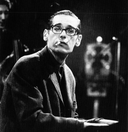 Eccentric & talented pianist Bill Evans (early 1960's)