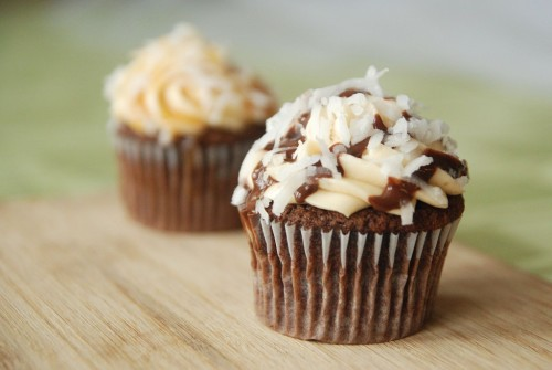 gastrogirl:  chocolate and coconut samoas cupcakes.