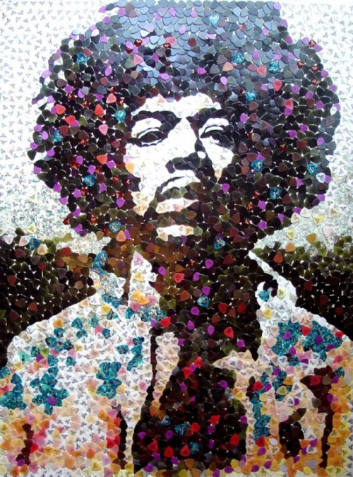 clairey-tales:  yellowshirtkid:  Hendrix portrait with 5000 guitar picks.  thisisamazing
