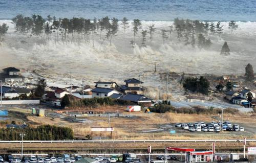Whoa. Incredible picture of the tsunami. via i.imgur.com