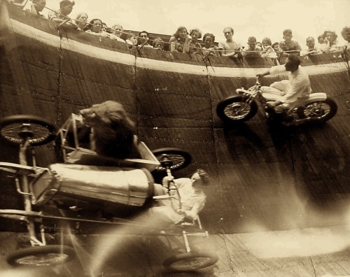 Revere Beach, MA, 1929 Everyone please note — that is a lion riding in the sidecar. That is all.