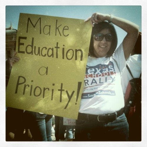 Make Education A Priority #Texas #ATX #SXSW - Gov Perry #WTF You Are Making  #TX no #50 in #education - Your state is already ranked no 47 in the US in High School education - it's not immigration nor the teachers' fault. You want to run for president? Ha. I used to want move to Austin. No more. Fully fund education! (Taken with Instagram at Texas State Capitol)