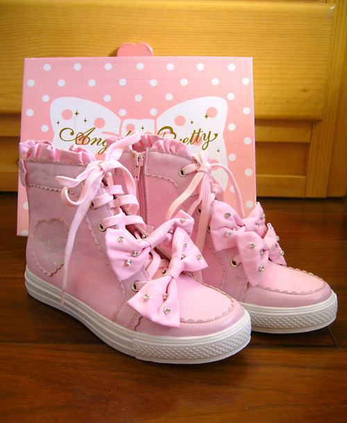 New Angelic Pretty high-top sneakers. I don't know how I feel about this …  Comment on this post at HARAJUJU.net Forums