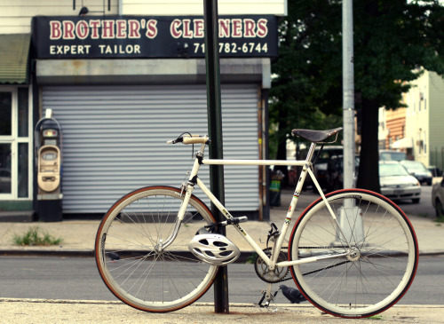 hipster bike. If you live in Williamsburg, NYC and want to melt in you of course need the right attire, but you should also get yourself a nice bike. Not sure if this has a fixed gear or not though.