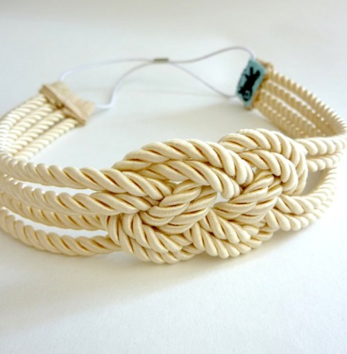 isleofview-facesoflove:  Sailor Knot Headband by PettiBear on Etsy  I really want this head band!