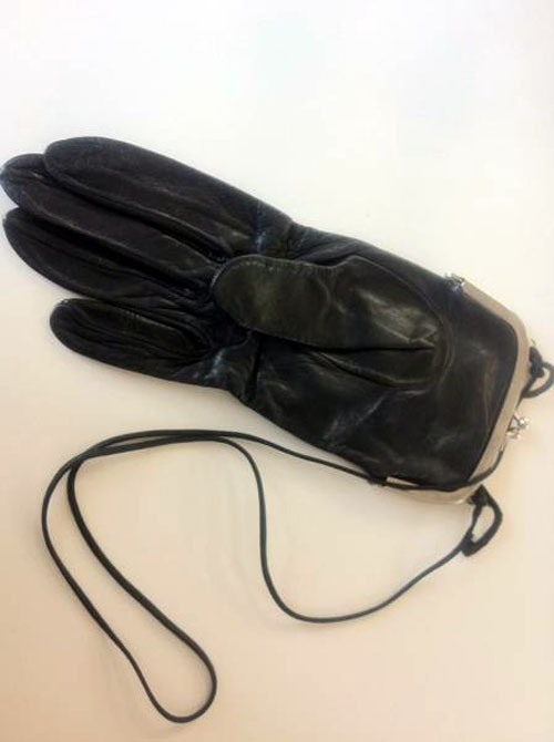 lacollectionneuse:  artisanal evening glove sling bag • martin margiela5,250 円