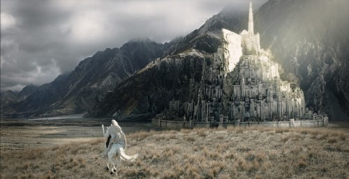 loucaltabiano:  Minas Tirith, the City of Kings.