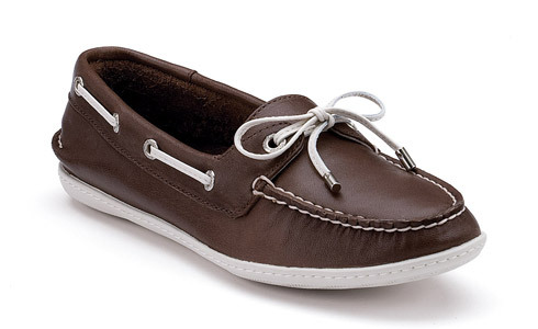 Favorite Shoes: Sperry's I love my heels, but I live in Sperry's http://www.sperrytopsider.com/store/SiteController/sperry/productdetails?stockNumber=9349283&showDefaultOption=true&skuId=***7********9349283*M055&productId=7-134420&catId=cat100138DM