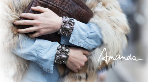 darklamb:  the double cuff. i like it. thumbs up (per usual) to amanda brooks. (via garance)