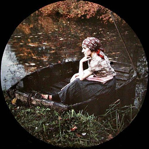Young girl dreaming on a boat - Autochrome - Jean-Baptiste Tournassoud - c. 1915