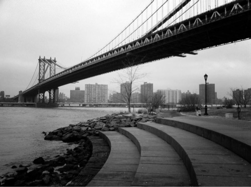 Manhattan Bridge seen from Brooklyn Bridge Park