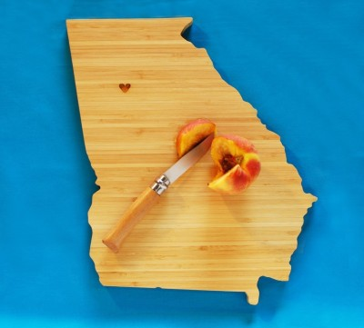 Georgia state cutting board. Suddenly, I have the urge to cut, chop and dice. (via)