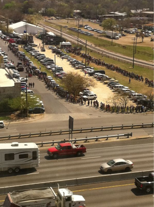 shannoncottrellphoto:  The sxsw wristband line looks like fun!  Definitely passed this as I was picking up some friends.