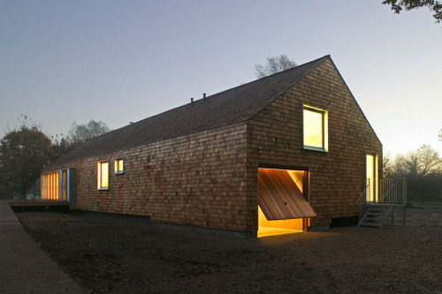 subtilitas:  Hudson Architects - The pre-fab cedar house, North Elmham 2005.