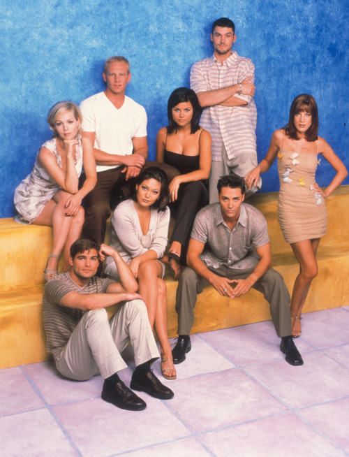 On to Season 9 of Beverly Hills, 90210 now. Bye bye Brandon & Val. Helloooo Dylan.