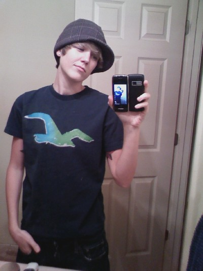 Before he was famous :} —— OH HAY THERE. LET ME GET ATCHUR PHONE NUMBER PLZ.