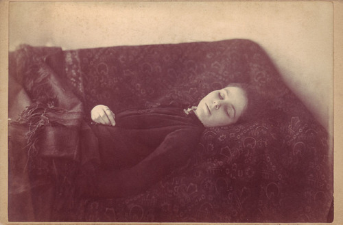 alejandromathe:  Ioana Constantinescu passed away in the autumn of 1909. Cause of death: Suicide by 'purposeful ingesting large quanities of her own blood.' - Stated by and concluded the official autopsy and coroners reports.Timișoara, Romania.