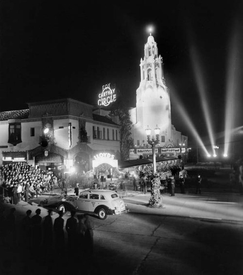 "Photo: The premiere of ""Lloyds of London"" on Nov. 25, 1936 at the Carthay Circle Theater, formerly located at 6316 W. San Vincente Boulevard. It was torn down in 1969. Credit: Maurice Terrell / Los Angeles Times"
