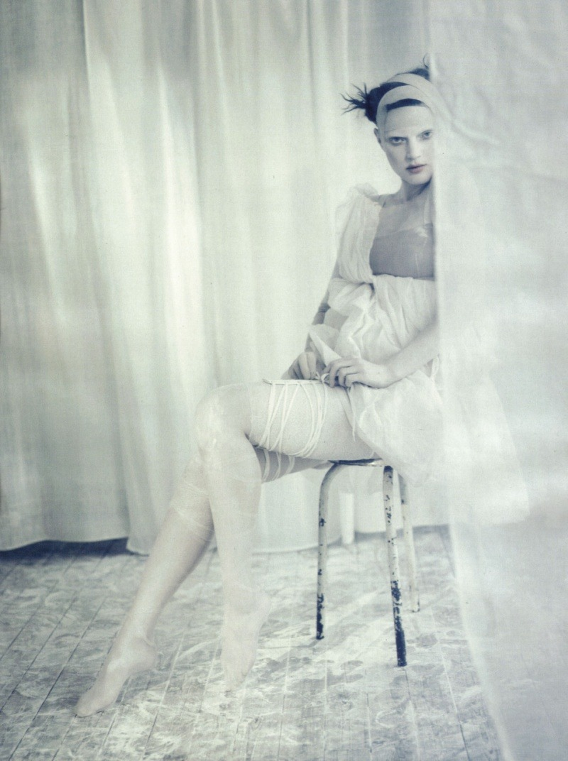 Sasha Pivovarova & Guinevere van Seenus photographed by Paolo Roversi - Vogue Italia: April 2010 - A White Story