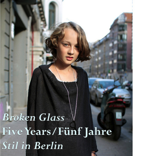 The wonderful Stil in Berlin blog asked me to whip up one of my mixtapes to celebrate their fifth birthday. Honored, I mixed up five years of favorites (and some SiB soundbites), trying to soundtrack what the last half of the noughties sounded like for me, and I hope you'll find some of your best-loved tunes in there too.