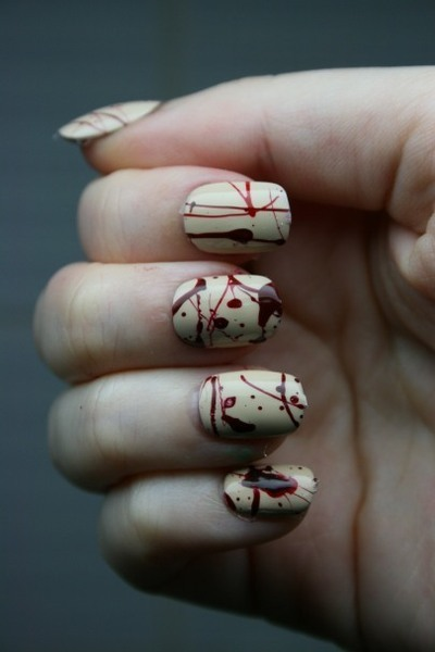 ellev:  dirtyprettything:  dexter nails = hipster cool  Nail-painting people I know=DO THIS.  SO AWESOME! I totally wanna try this for the season premier! Haha.