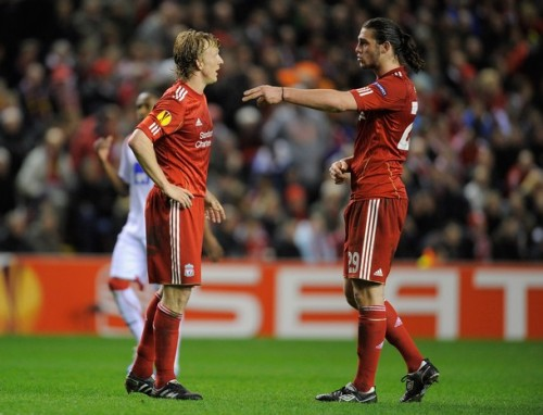 Really! Just tell me what is going on between Kuyt And Carroll????????????