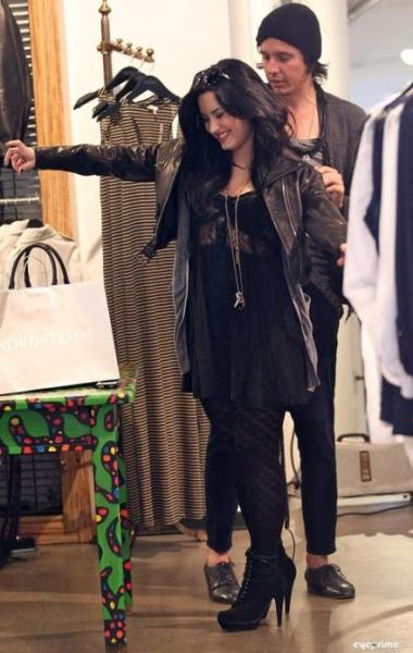 Demi Lovato SHOPPING AND HAPPY