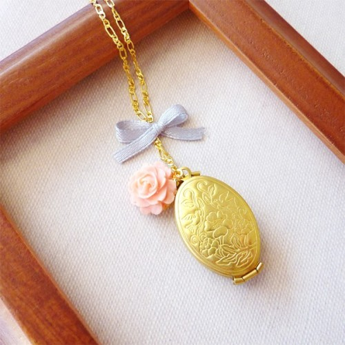 Vintage Brass Folding Locket with Pink Rose & Silver Ribbon via Katheyl