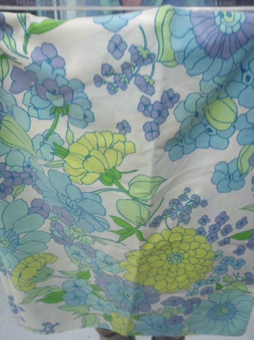 thriftmania:  even better vintage floral pattern on a pillow case, which I bought! found at goodwill  I have this one too!
