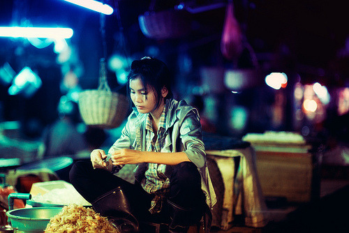 robot-heart:  Young Girl Shelling Prawn (by Jon Siegel)
