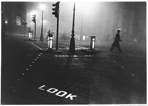 Robert Frank London, 1952. Gelatin silver print [From the Metropolitan Museum of Art] Thank you, chairofbullies & liquidnight.