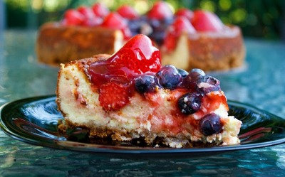 gastrogirl:  berry and ricotta cheesecake.
