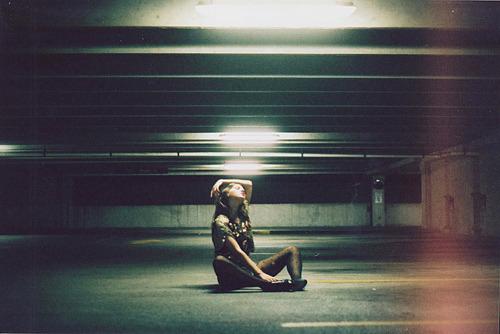 garotoinvisivel:  Nunca é tarde, às vezes é apenas cedo demais. Eu tenho que entender isso. Aliás, eu tenho que entender tantas outras coisas.Caio Fernando Abreu