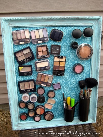 Magnetic Makeup Board!  Totally functional and cute!