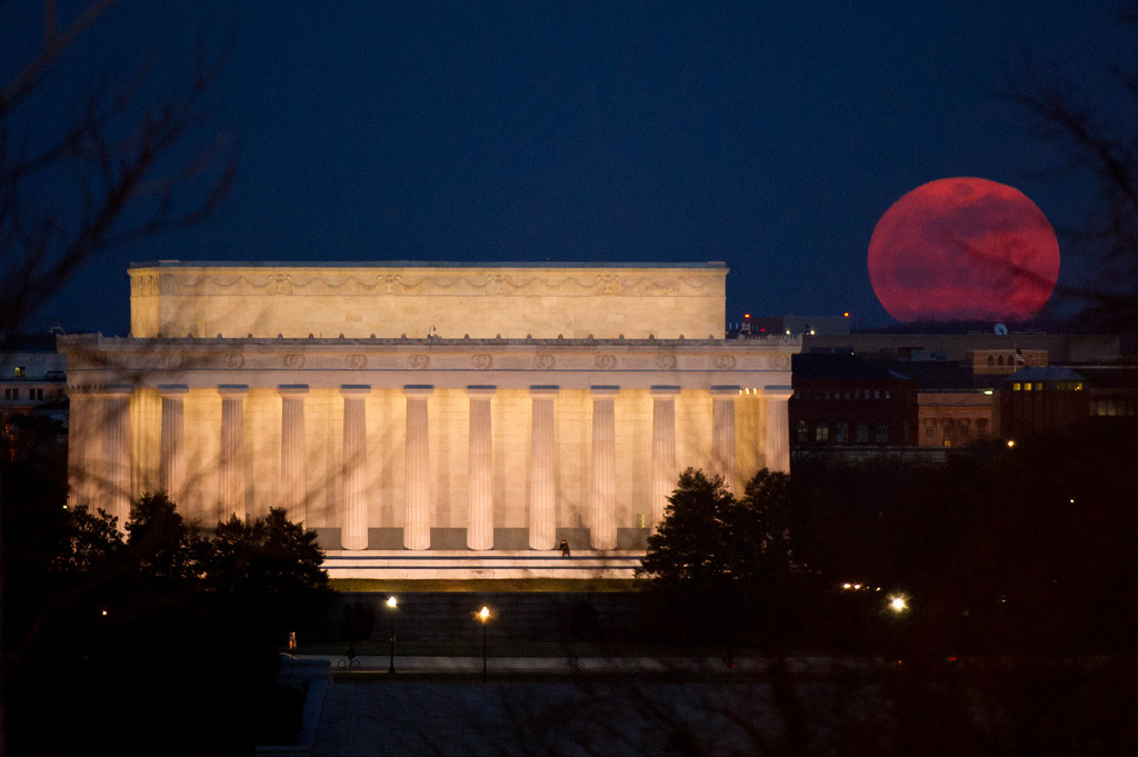 thedailywhat:  Photo of the Day: Tonight's Super Moon — the largest perigee moon since 1993 — rises near the Lincoln Memorial. [nasa / @breakingnews.]  It's a little cloudy and rainy here in St. Louis, but the moon was big and bright tonight in D.C.
