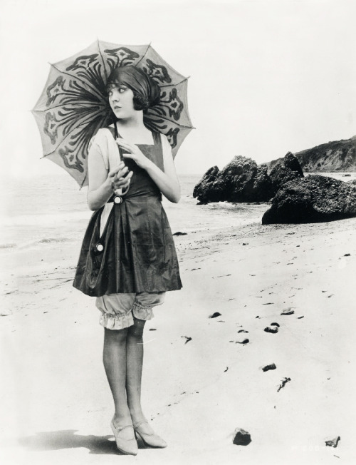 vintagegal:  Actress Lila Lee circa 1920