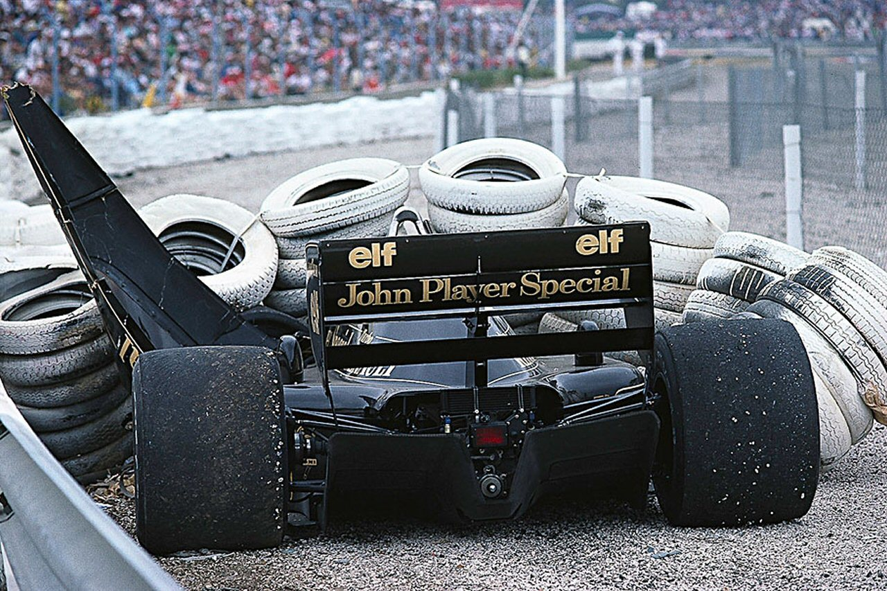 automotivated:  Senna v. tyre wall '86.