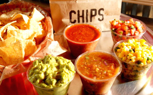 bbrooke:  britneyfontana:  gimme chips and guac please!  omg yes please, bring this to me, i swear ill feel so much better