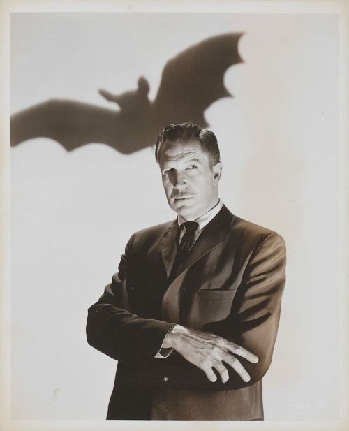 #Vincent Price #actor #scary #celebs #bat