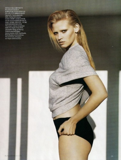 aminuteofperfection:  Lara Stone