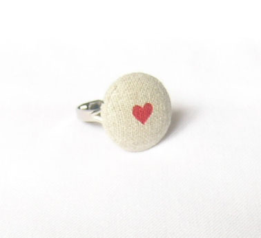 Cute & simple. daintyloops:  heart ring (by incywincystitches)