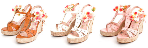 LIZ LISA TWINKLE Sandals with Corsage - ¥8,295 Comment on this post at HARAJUJU.net Forums